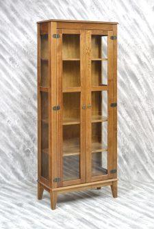 Ref. 4234 – Cristaleira 2 portas – Amêndoa